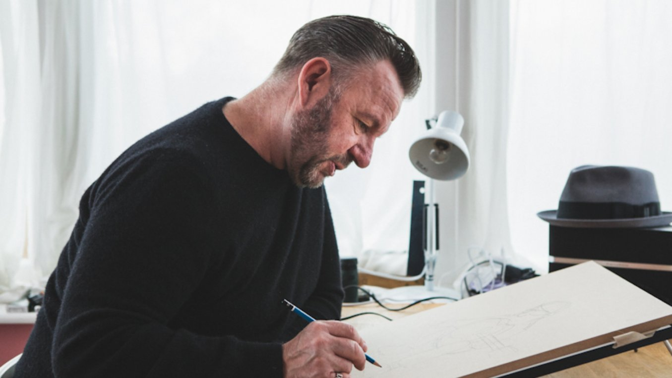 Pete McKee drawing up his latest sketch